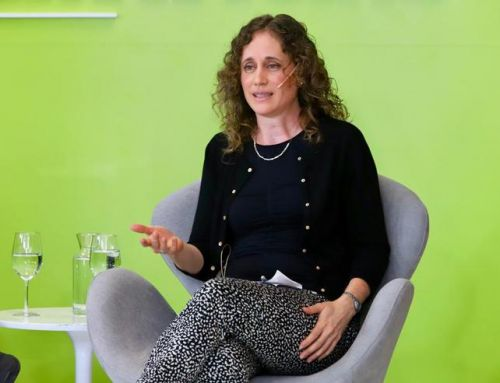 La docente Viviana Cotik participó en un panel de especialistas en Inteligencia Artificial